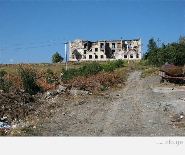 31_ здание миротворцев_ расстрелянное грузинскими во