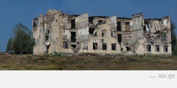 34_ здание миротворцев_ расстрелянное грузинскими во